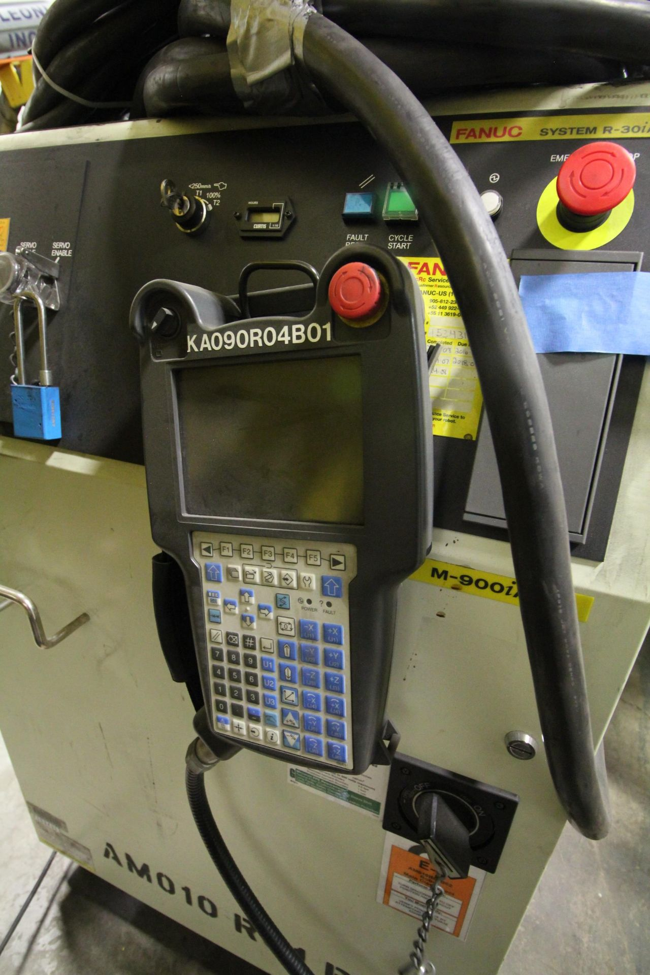 FANUC ROBOT M-900iA/400L WITH R-30iA CONTROLLER, TEACHPENDANT AND CABLES, SN 153431, YEAR 2014 - Image 6 of 11