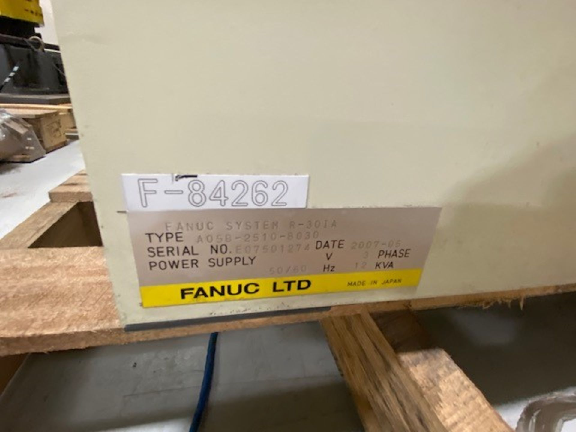 FANUC R-2000iB/165F WITH R-30iA CONTROLS, TEACH PENDANT & CABLES, SN 84262, ONLY 624 HOURS - Image 6 of 7