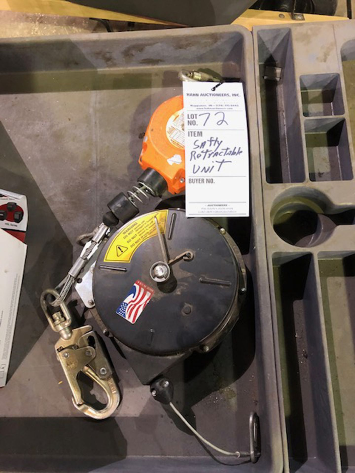 Lot 72 - safety retractable units
