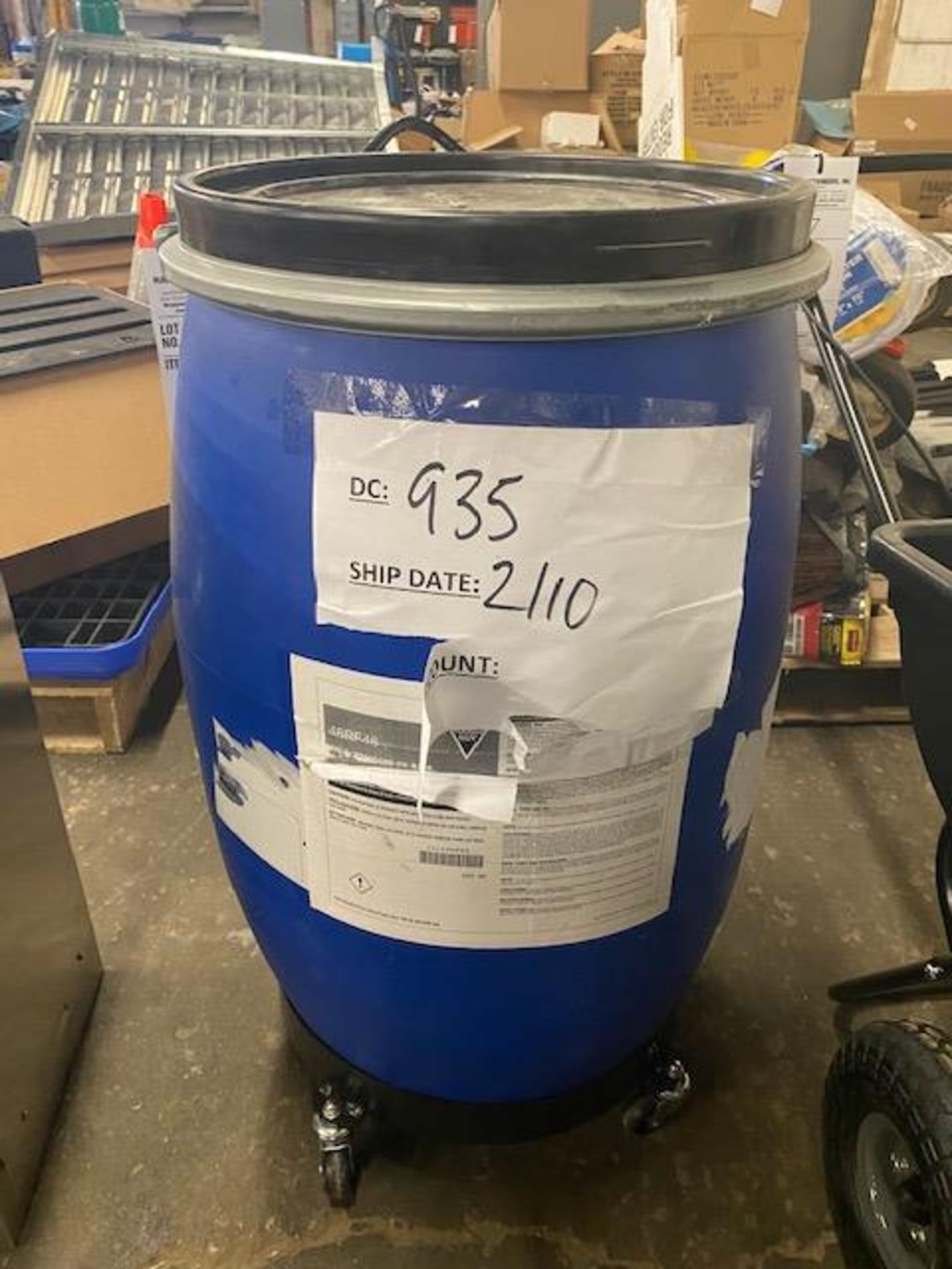 Lot 76 - 100lb standard sweeping compound