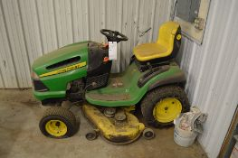 JOHN DEERE 100 SERIES RIDING LAWN TRACTOR, HYDROSTATIC, NEEDS BATTERY