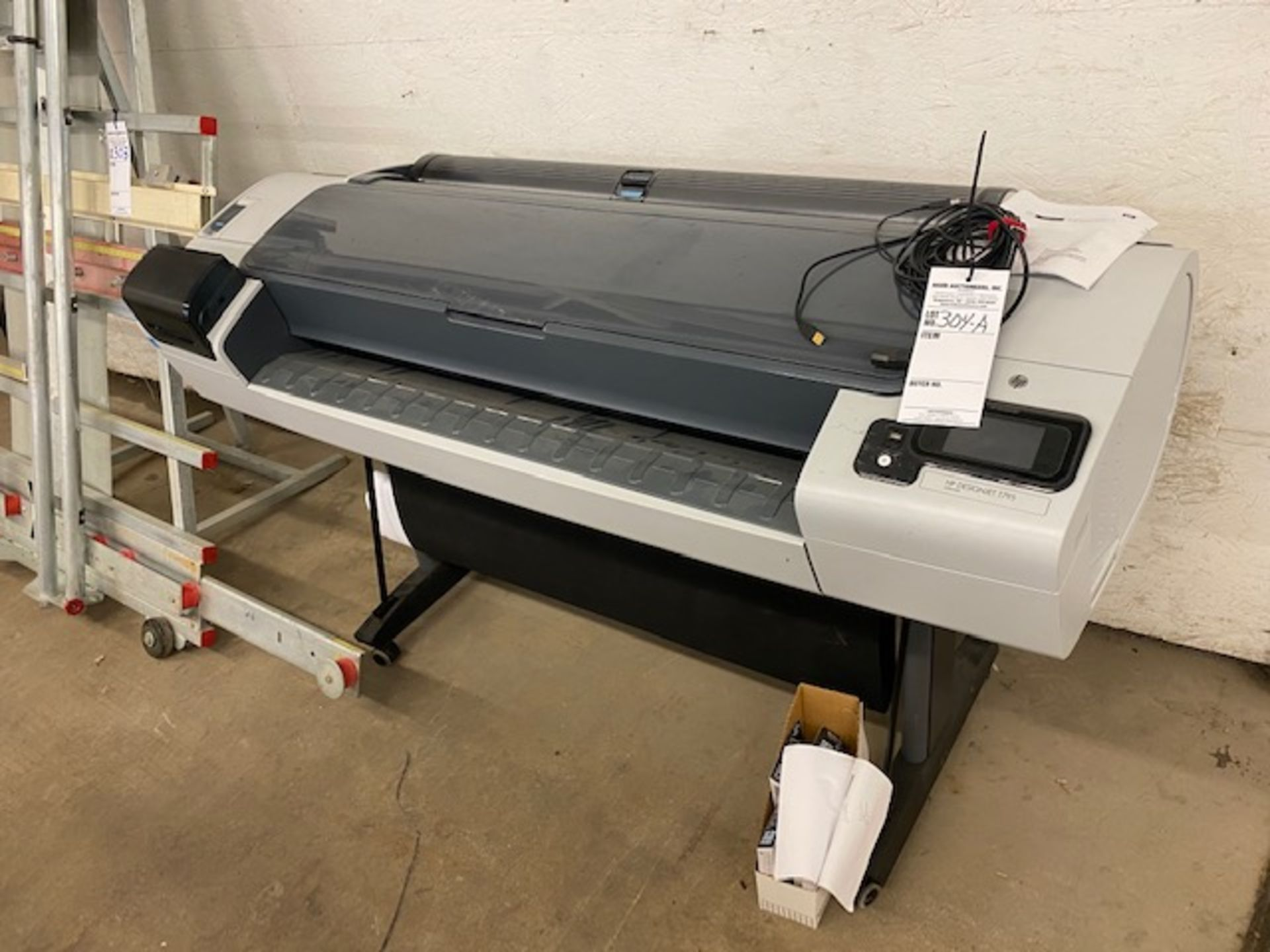 Lot 304a - HP CR649C PRINTER