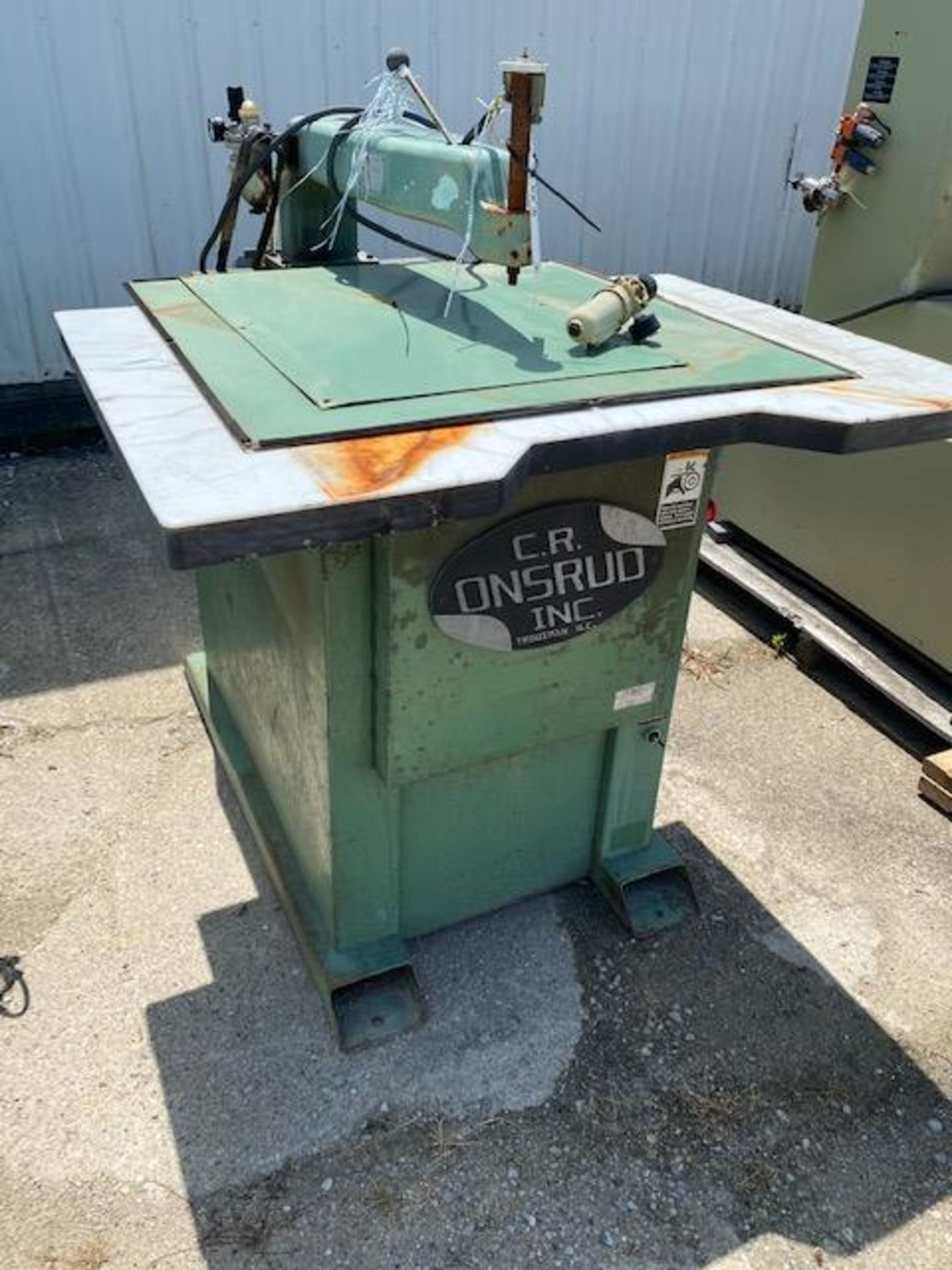 Lot 324 - CR ONSRUD PIN ROUTER