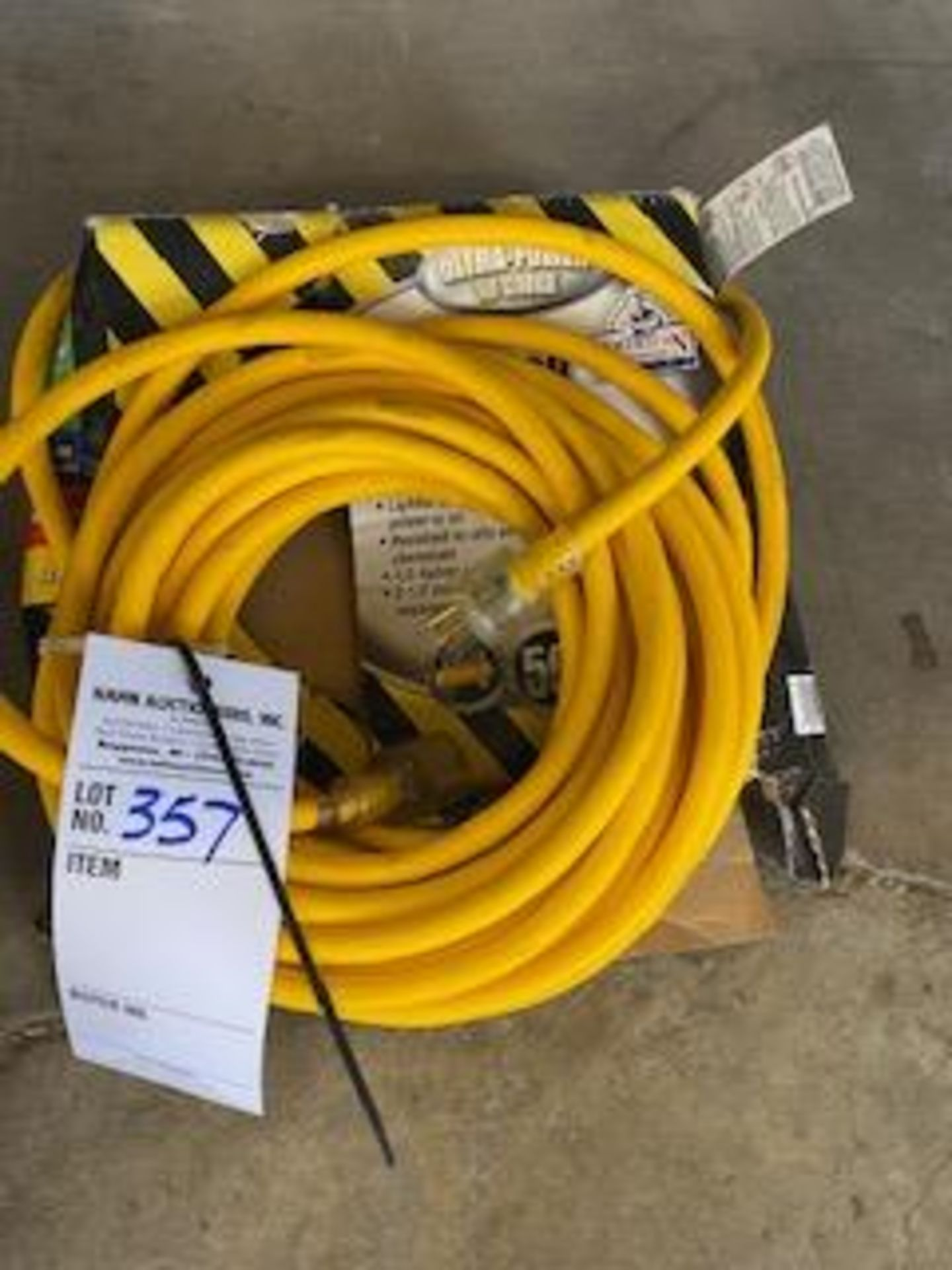 Lot 357 - NEW 10GAUGE EXTENSION CORD