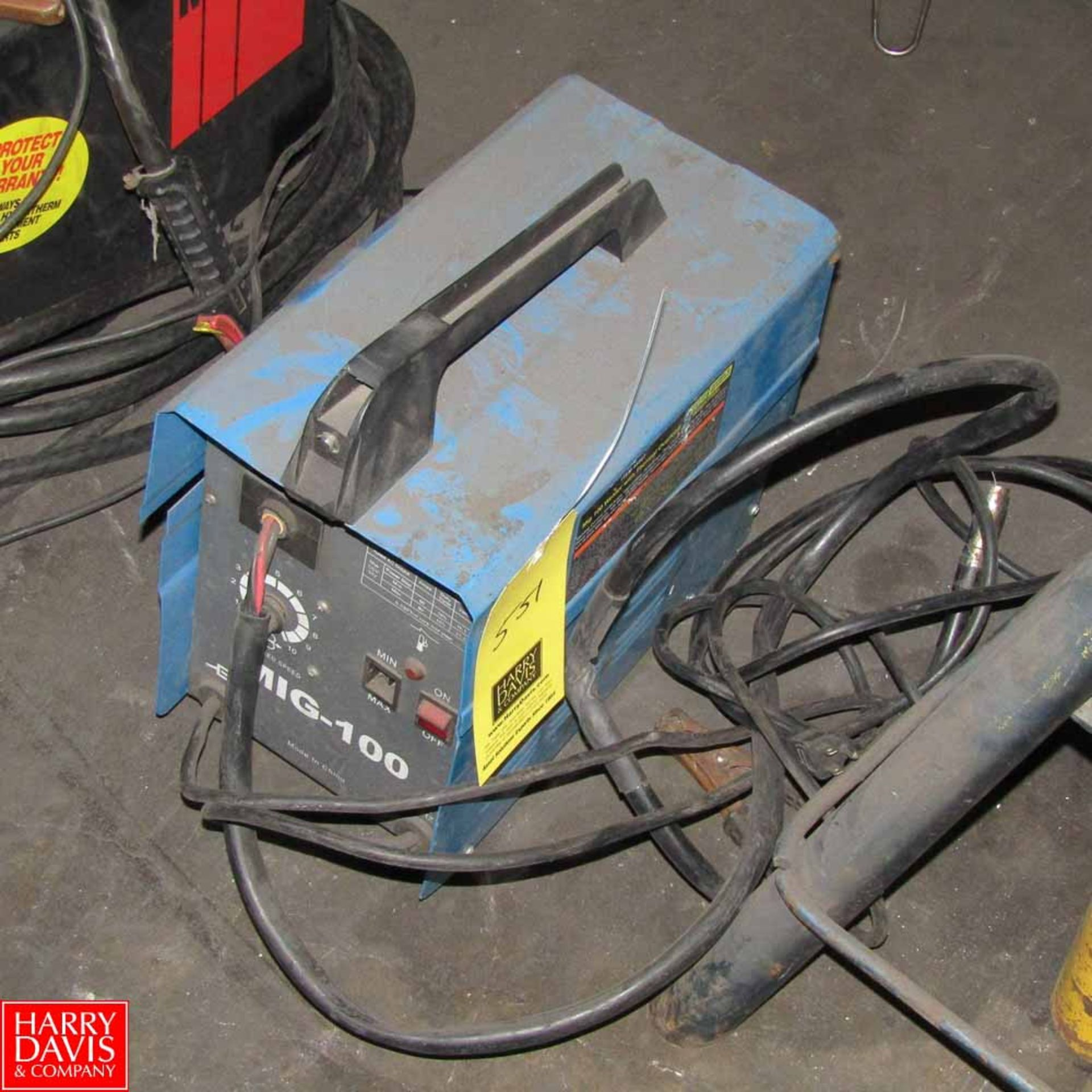 Lot 551 - Chicago Electric Mig Welder Model MIG-100 Rigging Fee: 25