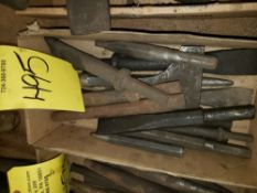 { Choice of lots: 493, 495, 496 } CHISELS, LOT