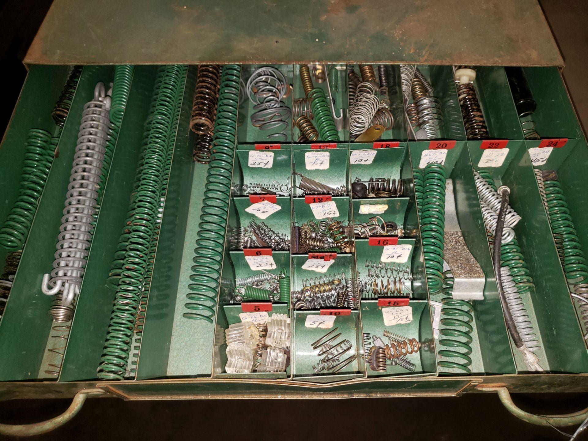 Lot 998 - SPRINGS IN 2 DRAWER METAL STORAGE CASE