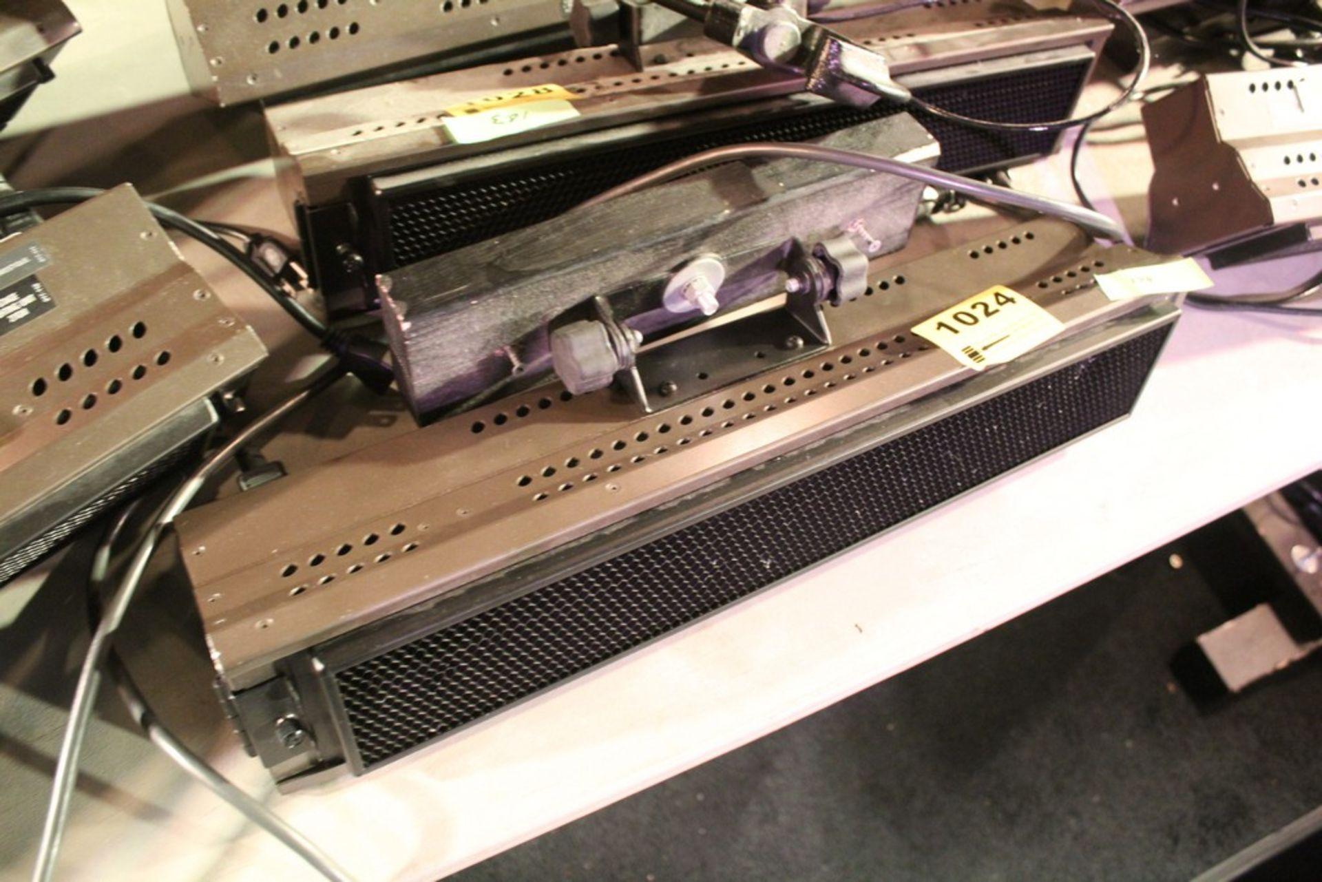 Lot 1024 - BRIGHTLINE MODEL 1.1D 10 AMP STAGE LIGHT SERIES 1 DMX LIGHT