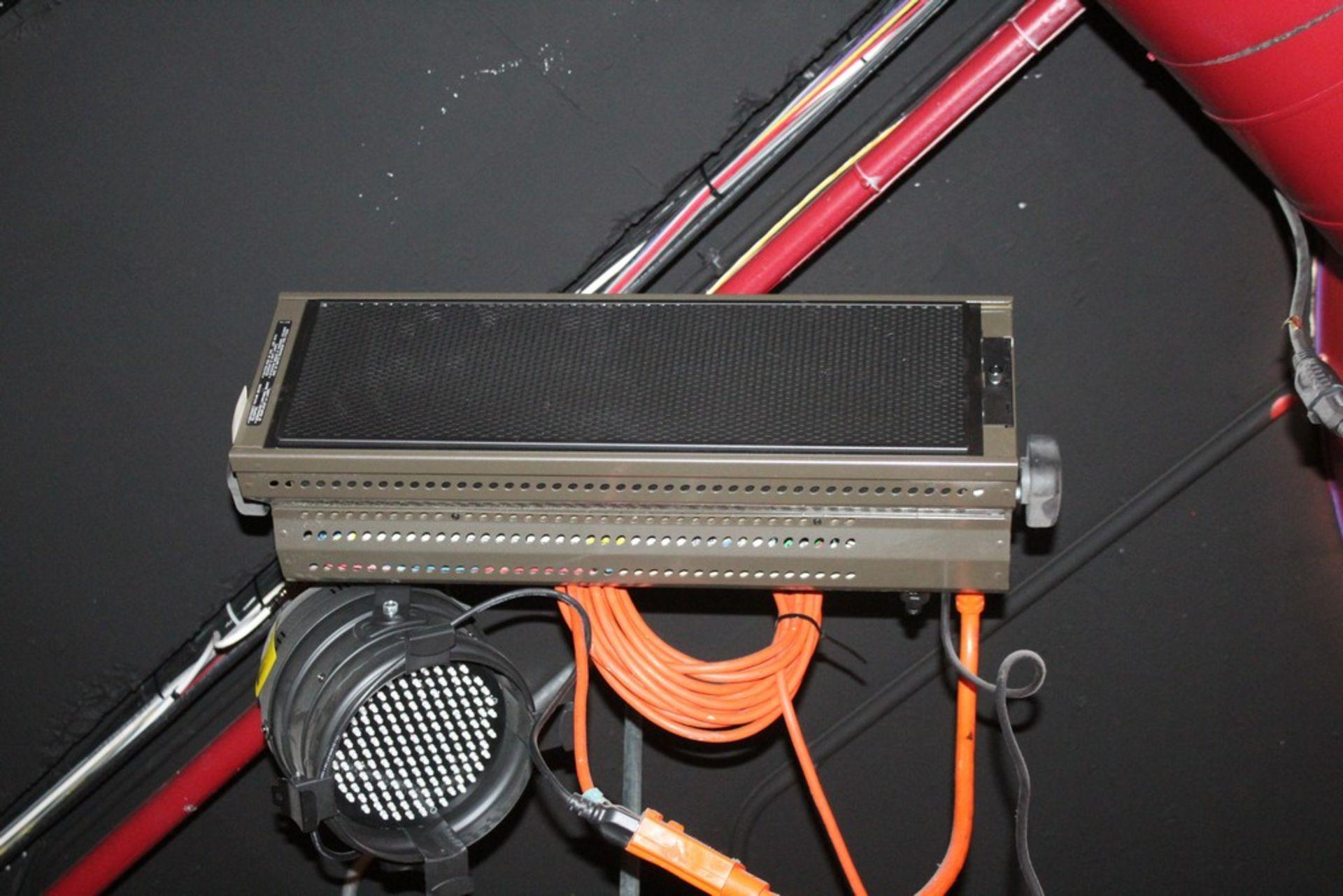 BRIGHTLINE MODEL 1.4D 10 AMP STAGE LIGHT SERIES 1 DMX LIGHT
