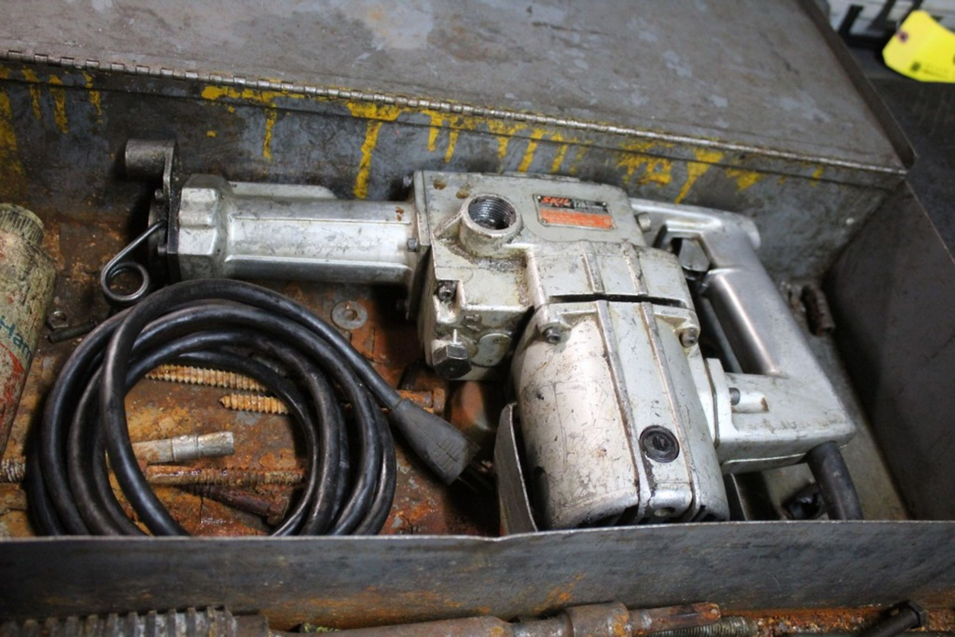 Lot 1 - SKIL 726 ROTO HAMMER WITH BITS AND CASE