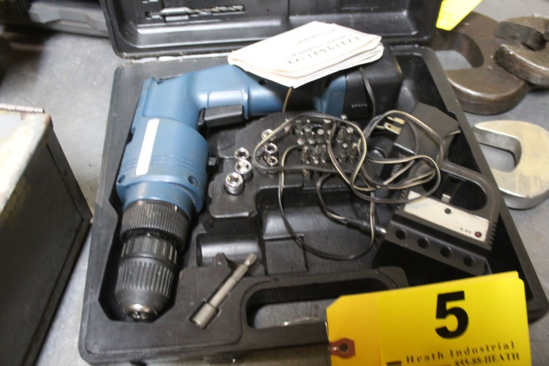 Lot 5 - 9.6 VOLT RECHARGEABLE DRILL DRIVER