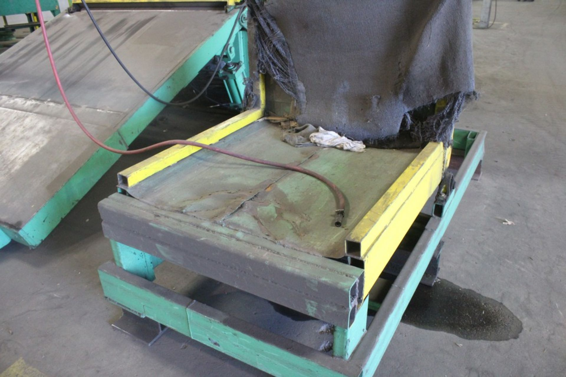 """Lot 54 - 6000 Lbs Capacity Hydraulic Operated Upender, Serial Number: N/A 40"""" x 42"""" Platform - Machine"""
