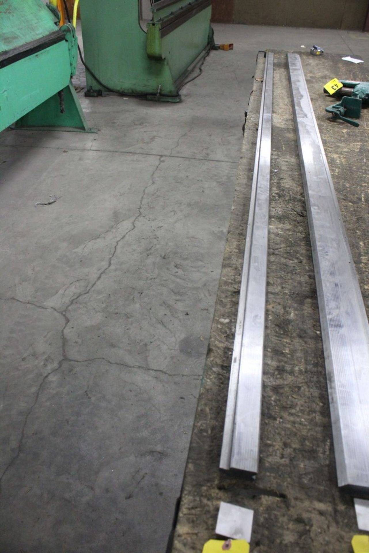 "Lot 38 - 90 Degree Vee Die: 145"" Length x 1/2"" Vee (16 Gauge)"
