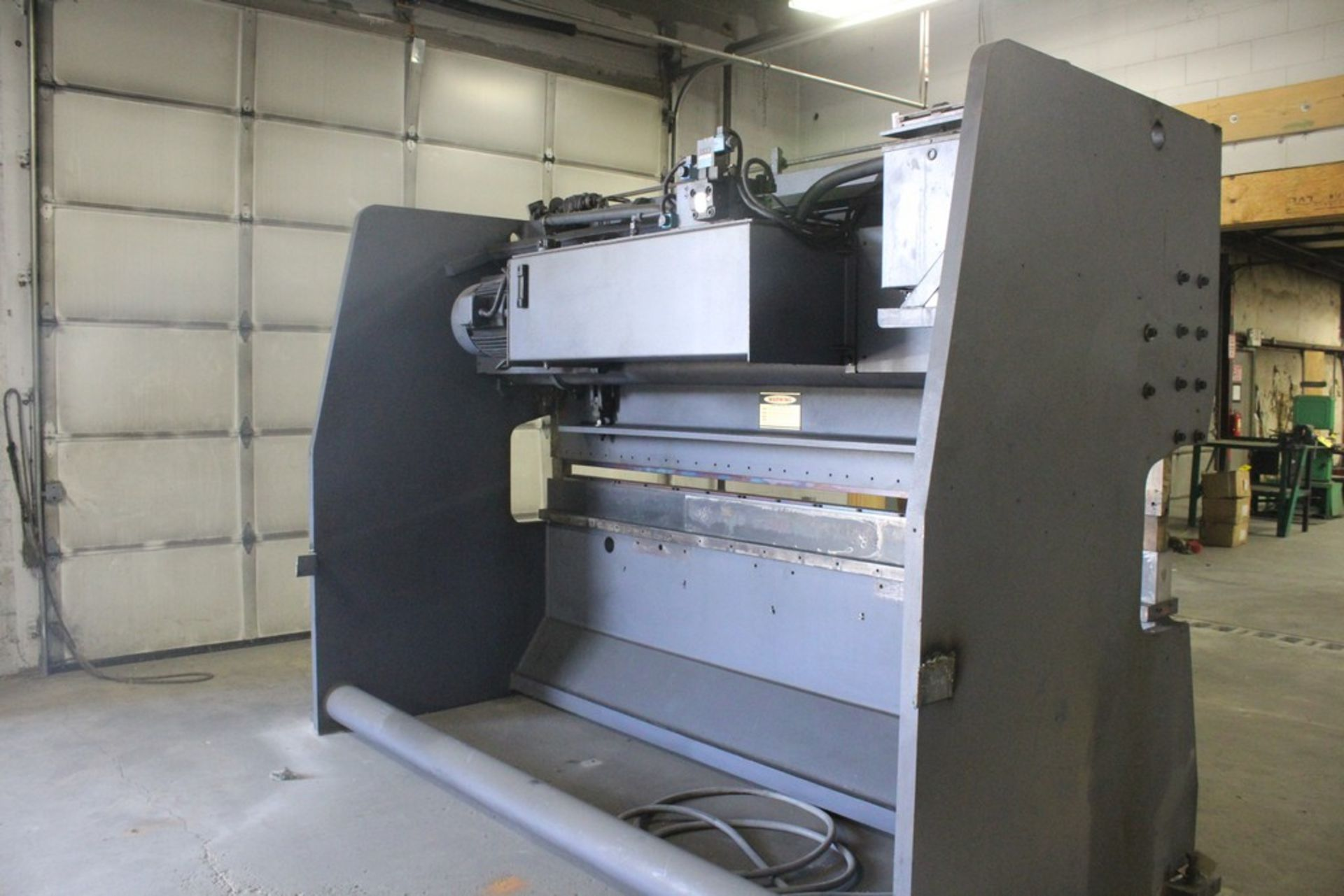 AFM Fabtek Model MPF31-165 Hydraulic Power Press Brake, Serial Number: CHPB9-90080T 165 Tons - - Image 7 of 8