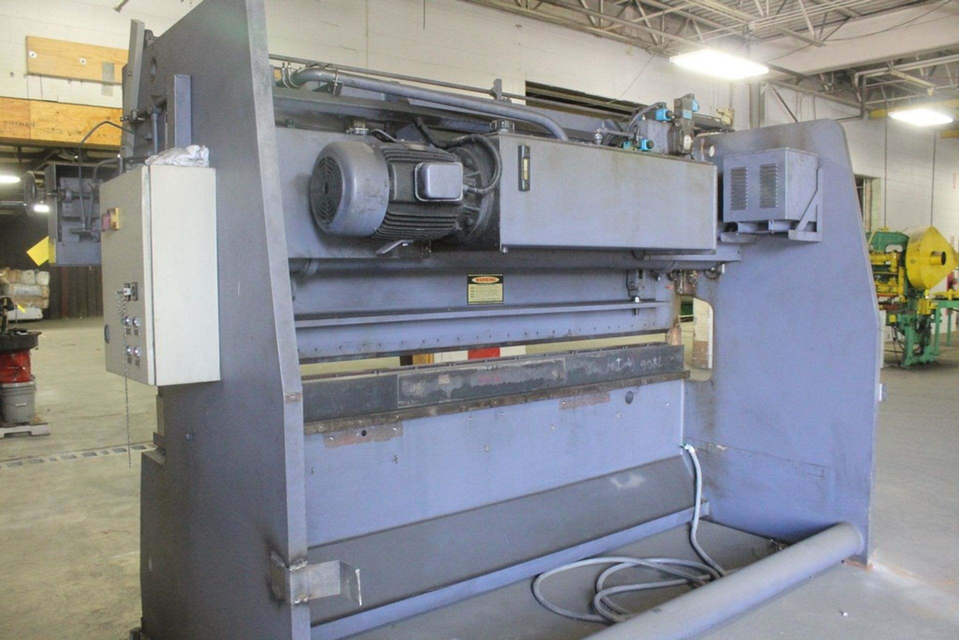 AFM Fabtek Model MPF31-165 Hydraulic Power Press Brake, Serial Number: CHPB9-90080T 165 Tons - - Image 6 of 8