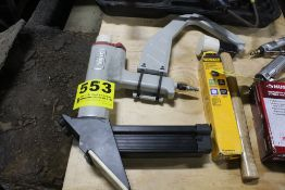 CENTRAL PNEUMATIC FLOORING NAILER, WITH MALLET & DEWALT ANGLE FINISH NAILS (APPROX 2500)