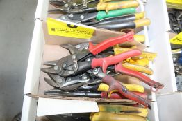 LARGE QUANTITY OF SHEARS