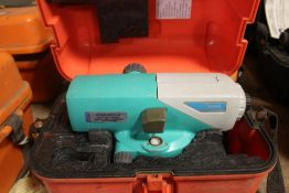 SOKKIA MODEL C320 AUTOMATIC LEVEL IN CASE