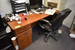 OFFICE DESK WITH EXECUTIVE CHAIR