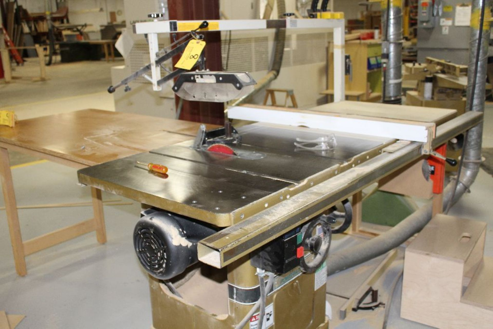 Lot 008 - Powermatic tablesaw model 66, w/blade guard system, 5 hp., voltage 230/460.