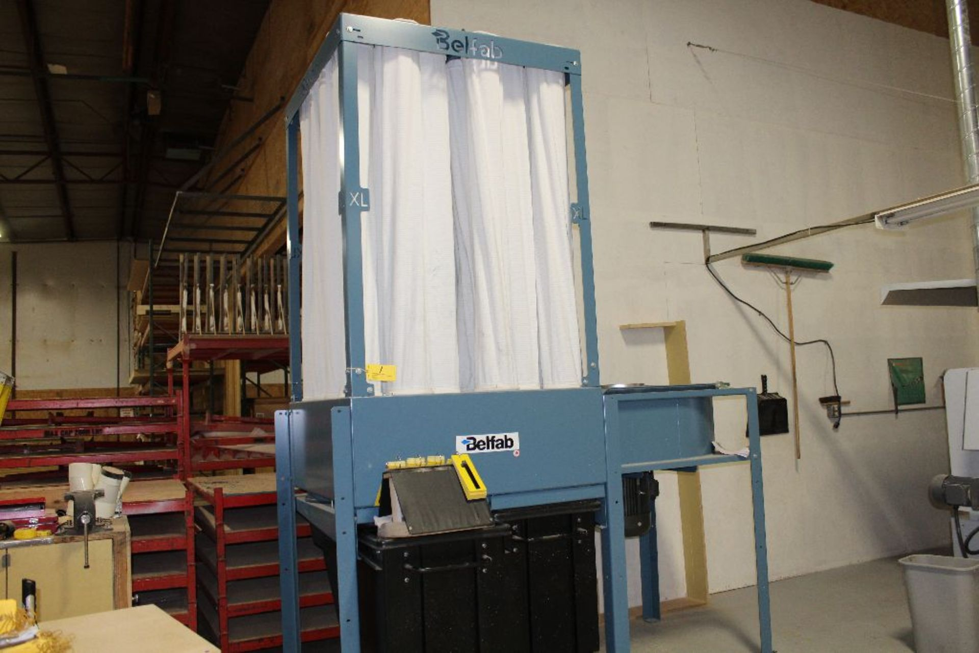 Lot 001 - BelFab dust collector, model BLE100, sn 0-261-02-2976, 10 hp.