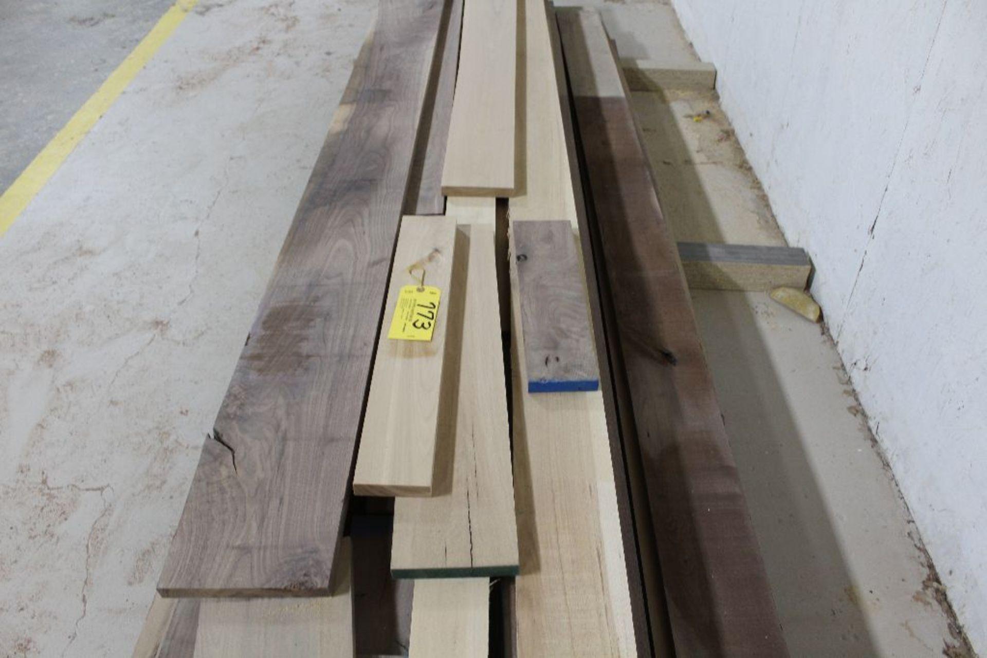 """Lot 773 - Lumber, rough cut walnut, 3/4"""" x 10' x 121""""."""