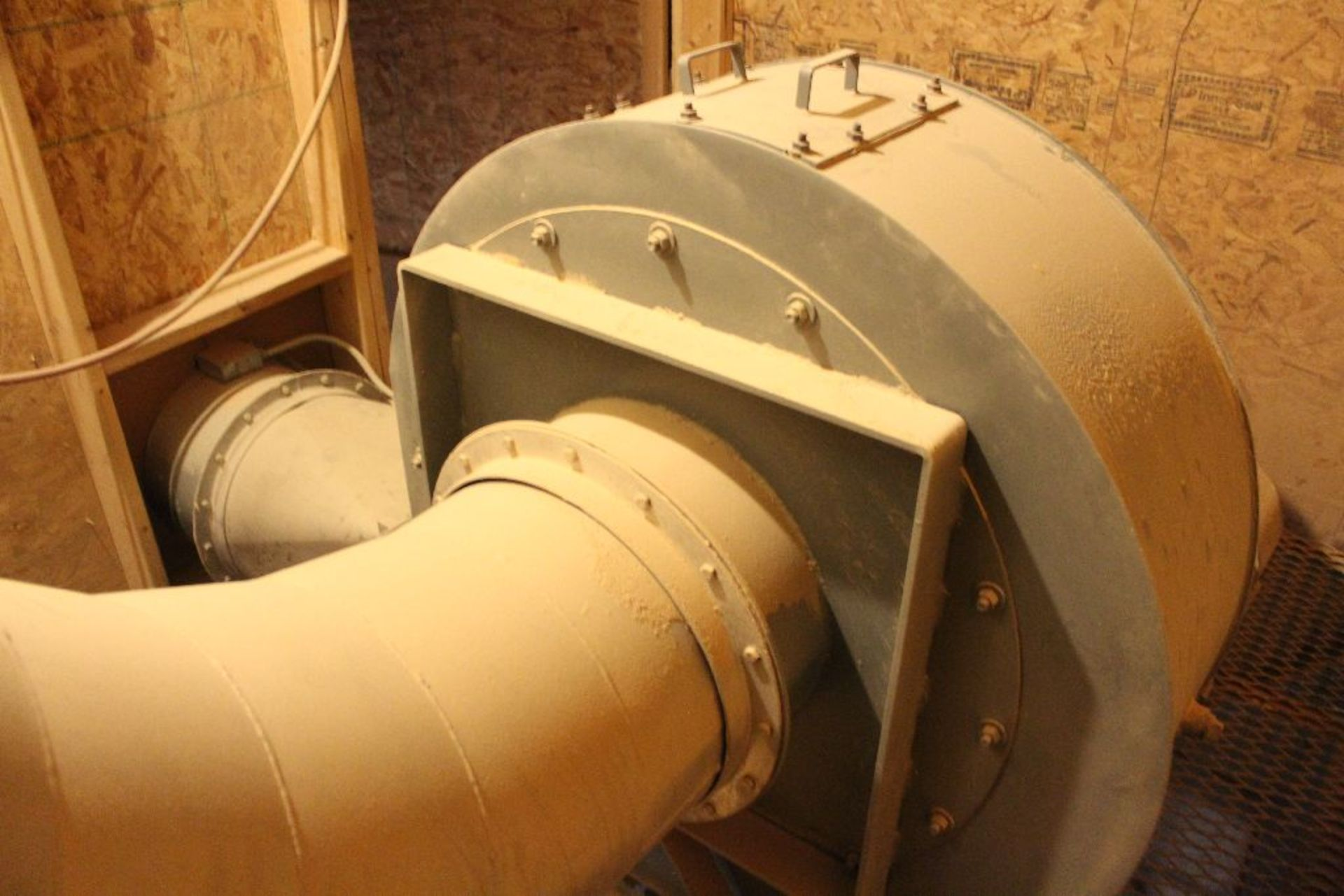 Lot 083 - Dust collector w/Silo auger, 20 hp.
