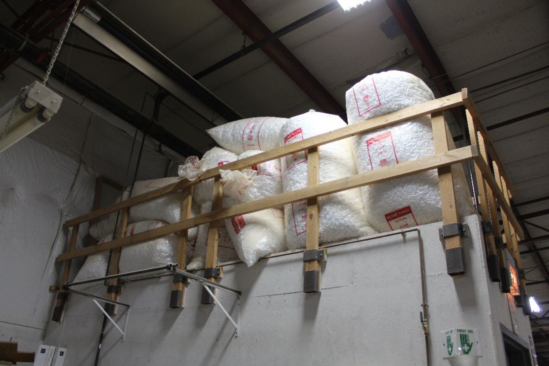 Lot 871 - Bags: U-line peanuts, (approx. 75 to 100 bags), 20 cubic feet bags.