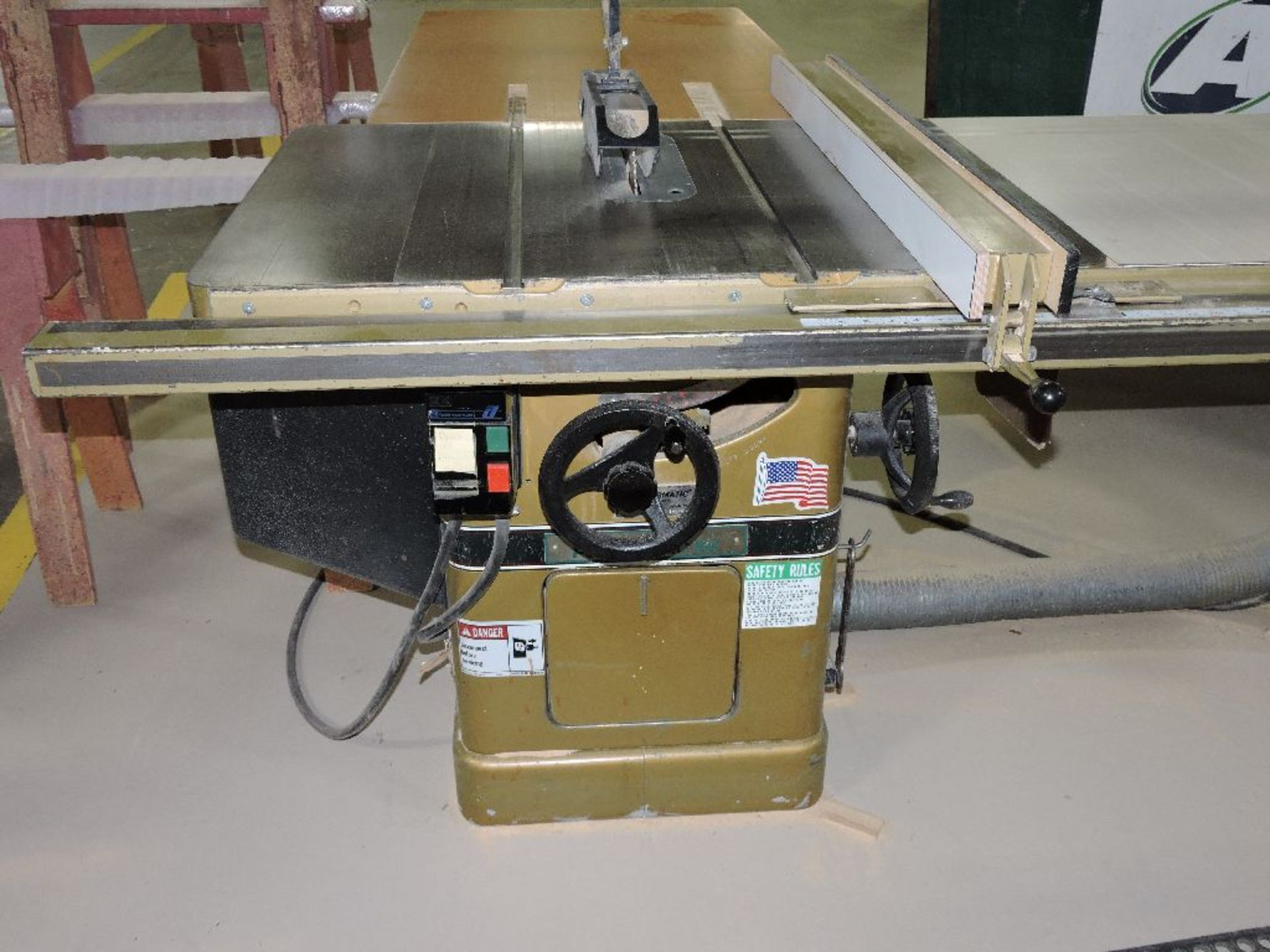 "Lot 017 - Powermatic jointer model 60, sn 940065, 6"", voltage 230/460."