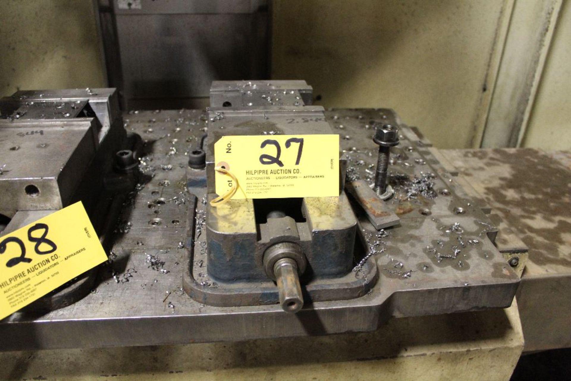 "Lot 027 - Machine vise 6""."