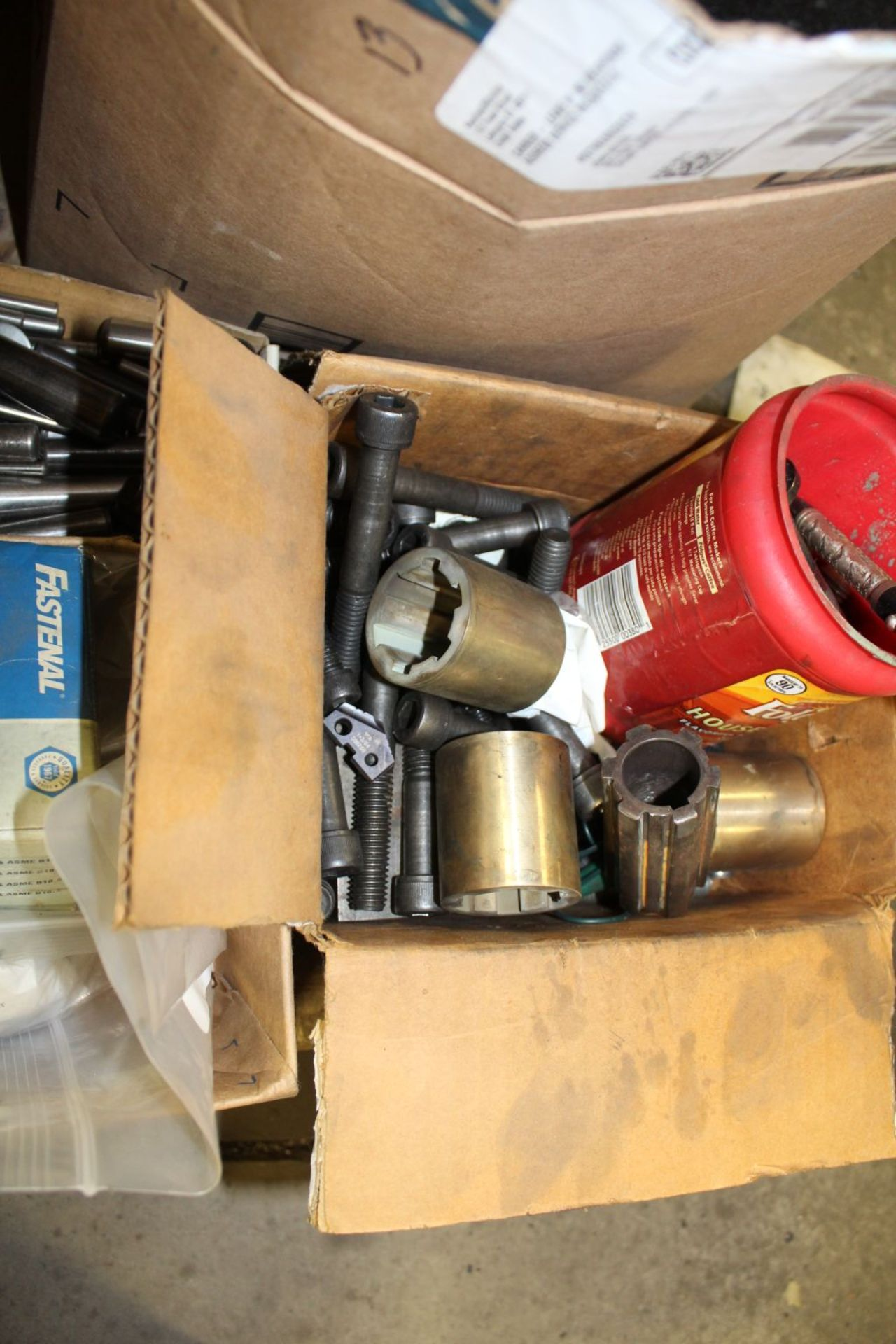 Lot 379 - Air hose, brass, cap. Bolts.