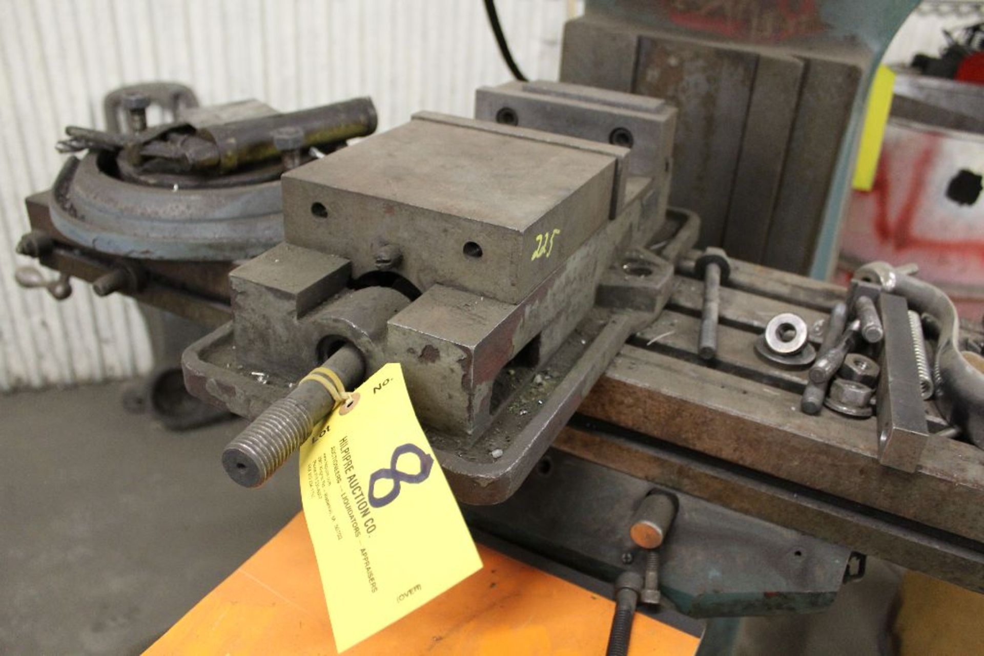 "Lot 008 - Machine vise 6""."