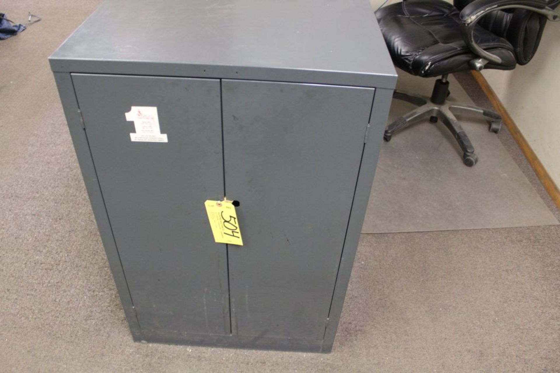 Lot 504 - Cabinet with contents, 2 drawer.