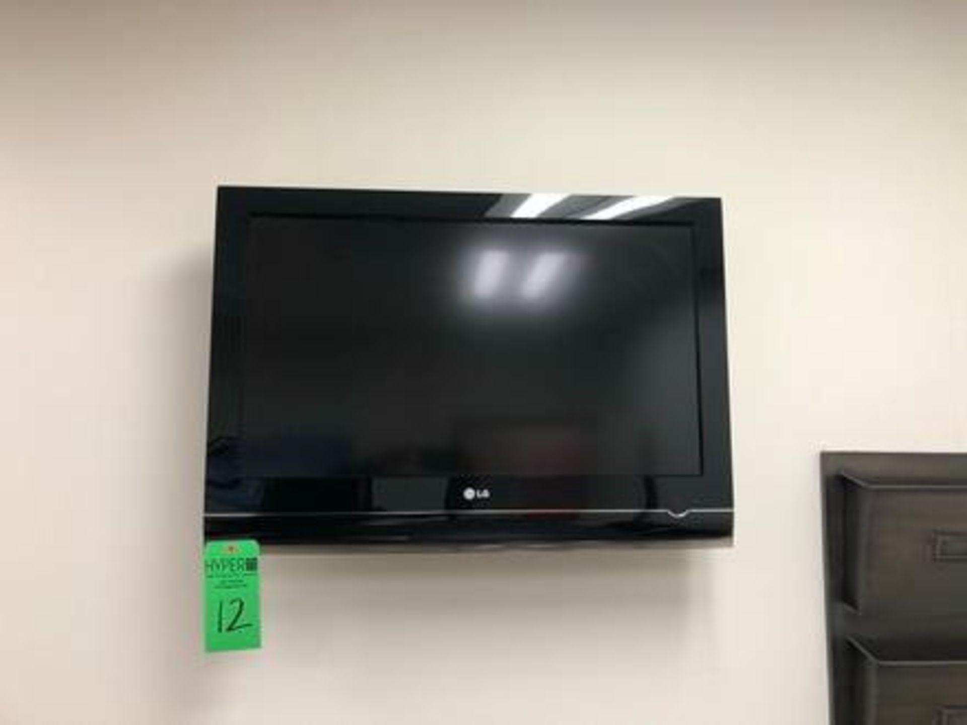 """Lot 12 - LG Model 32"""" 70-UA Flat Screen TV w/Wall Mount"""