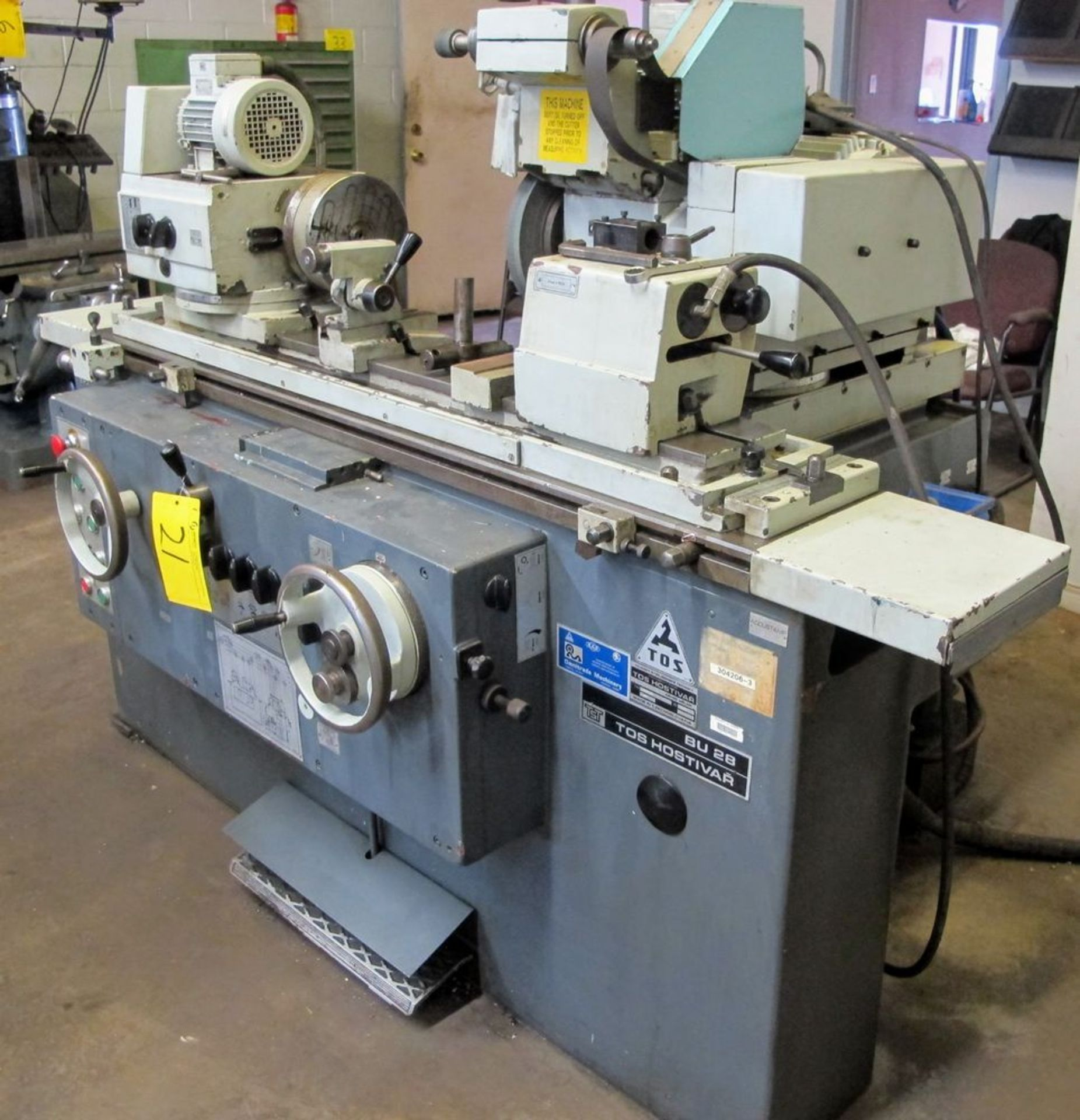 """TOS BU28-630 CYLINDRICAL GRINDER, 11"""" X 24"""", S/N 578016 W/8"""" MAGNETIC CHUCK, TAIL STOCK, TOOL - Image 2 of 6"""