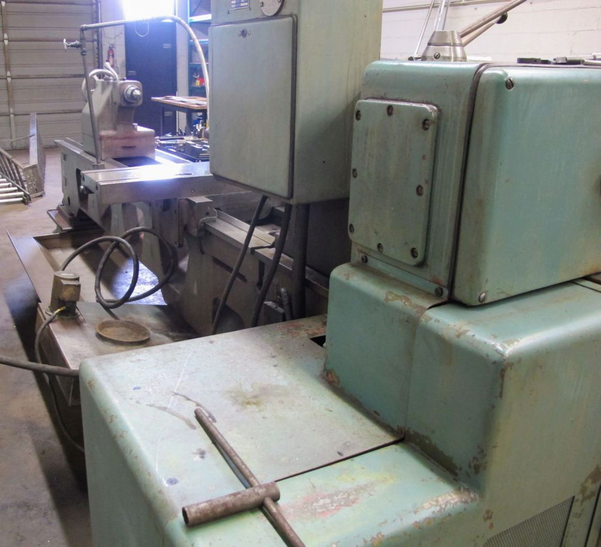 """TOS TRENCIN SN71B LATHE, 28"""" SWING, 7' BED, 3 JAW CHUCK, TAIL STOCK, STEADY REST, QUICK CHANGE - Image 4 of 10"""