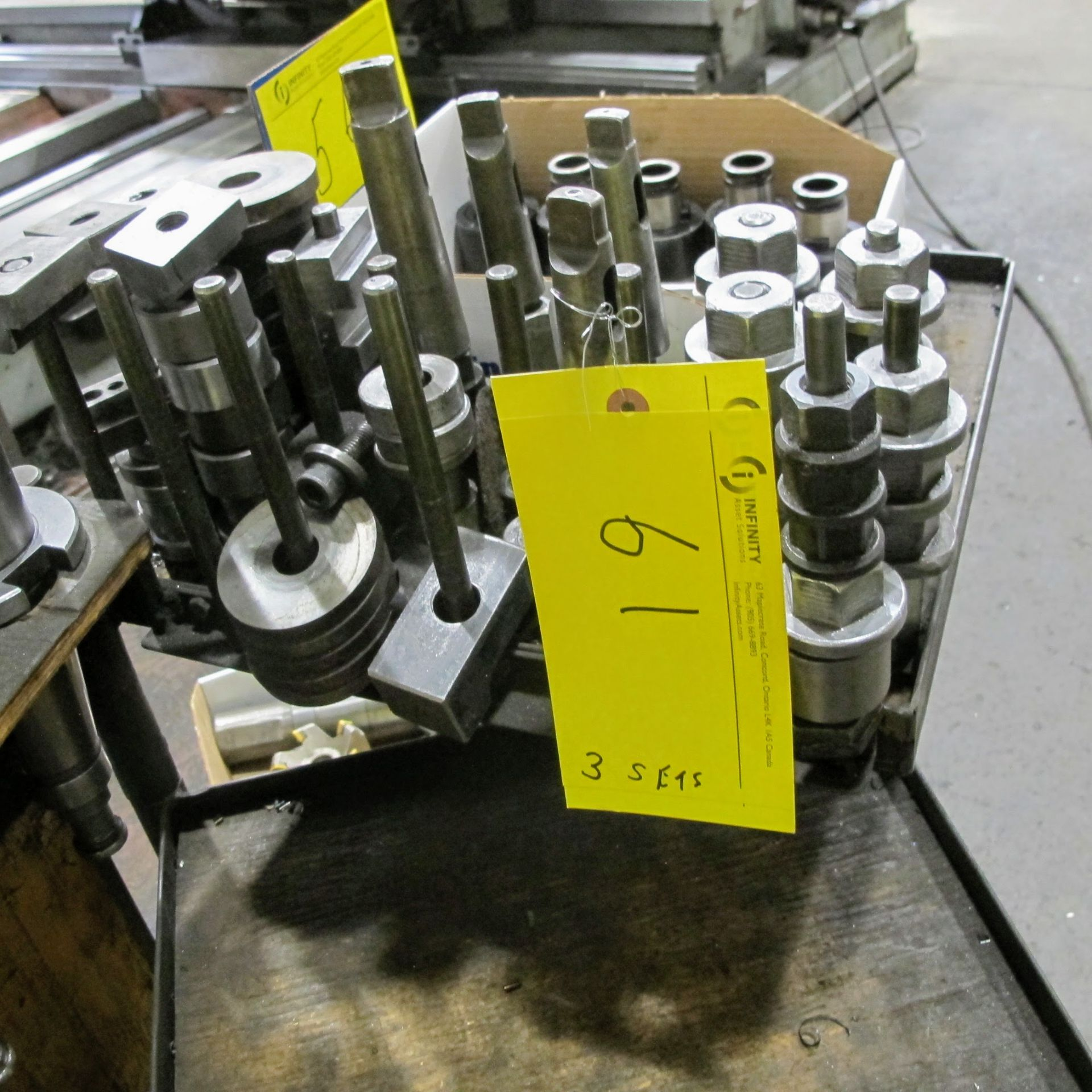 Lot 61 - LOT OF MACHINE SCREWS, HOLD DOWNS AND CLAMPING BARS (NO BENCH)