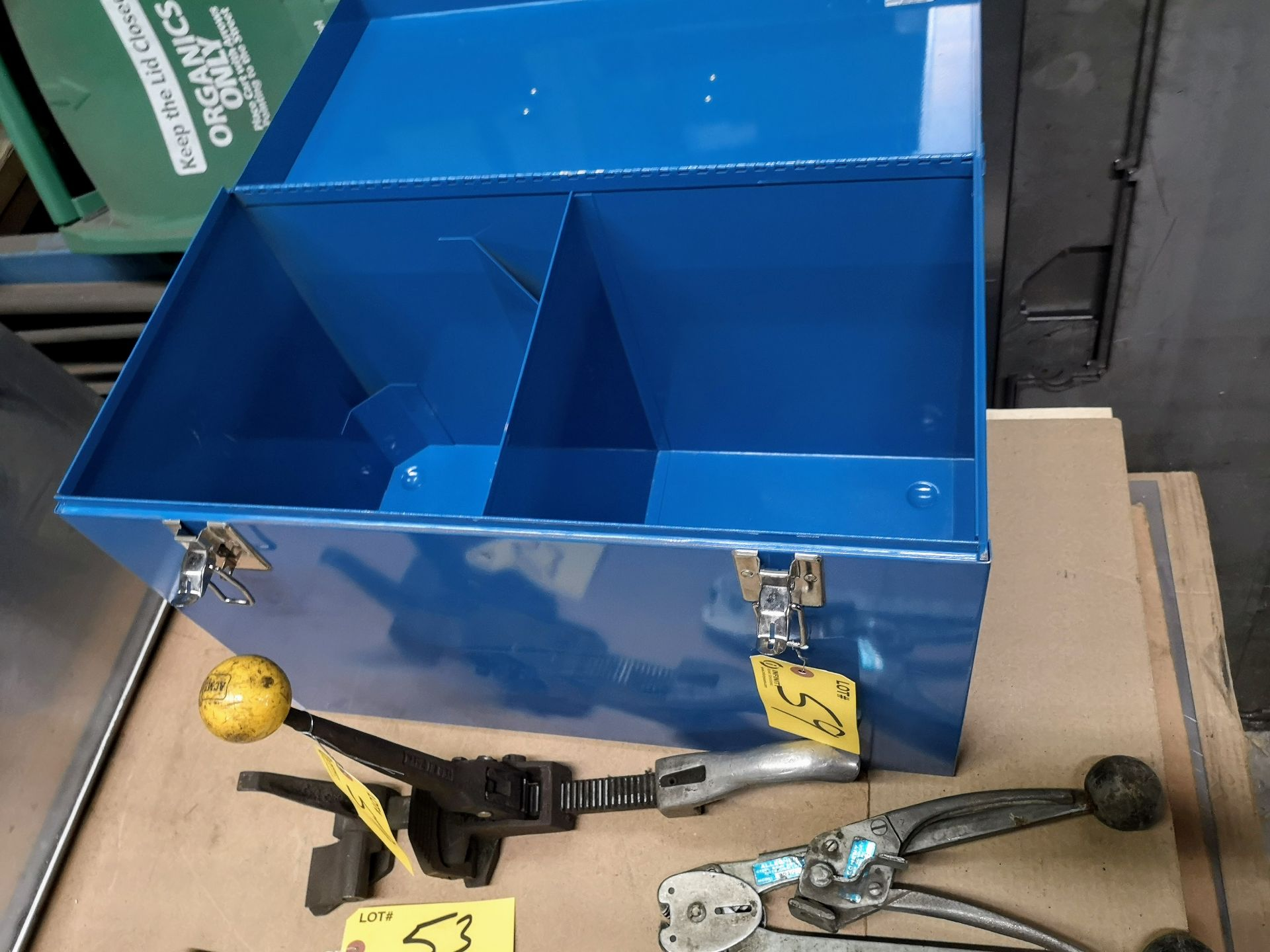 Lot 59 - LOT STRAPPING TOOLS AND EQUIPMENT BOX
