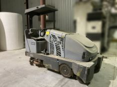Captor 4800 floor cleaning zamboni. Type E. S/N 2062957. (WH-E)