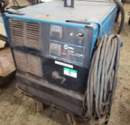 MILLER CP-302 CV-DC WELDER W/MILLER 22A FEEDER ON CART