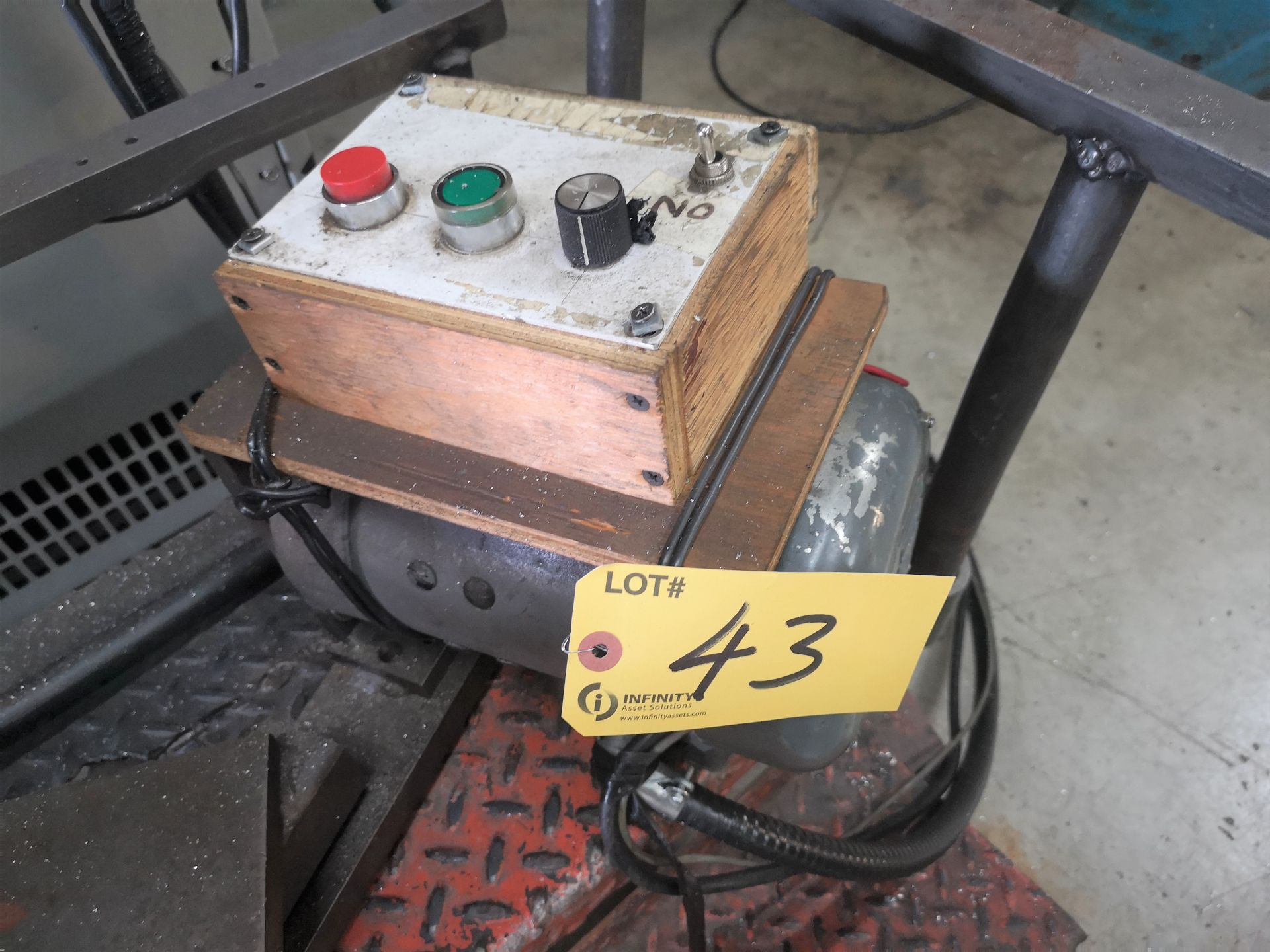 """Lot 43 - GENERAL 14"""" ROTARY TABLE W/ POWER DRIVE"""