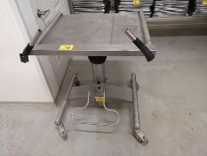 STAINLESS STEEL 200LB CAP. MANUAL LIFT TABLE