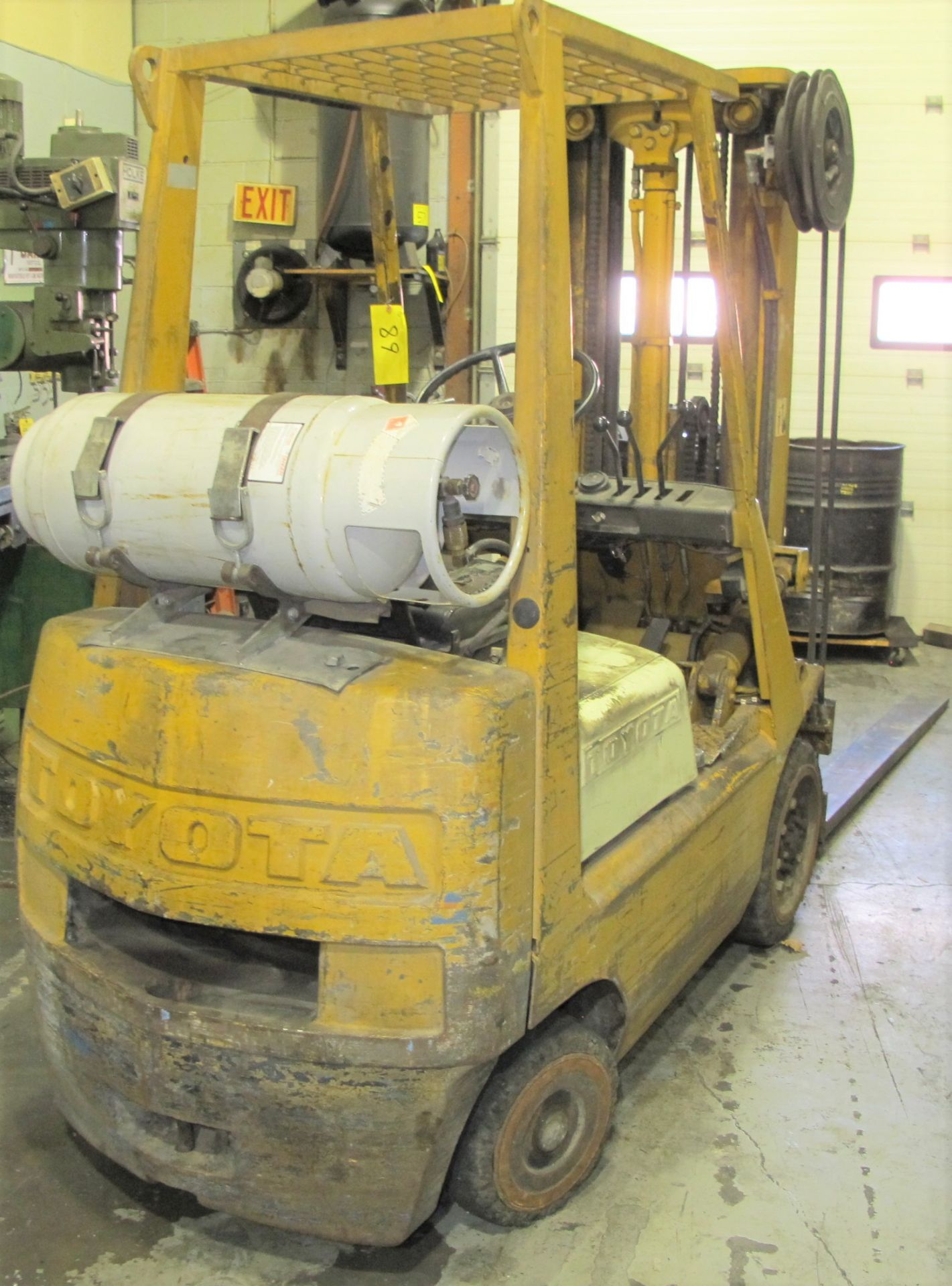 "TOYOTA 42-3FGC20 PROPANE FORKLIFT, 3,750LB CAP., 185"" MAX LIFT, 3-STAGE MAST, SIDE SHIFT, S/N - Image 5 of 6"
