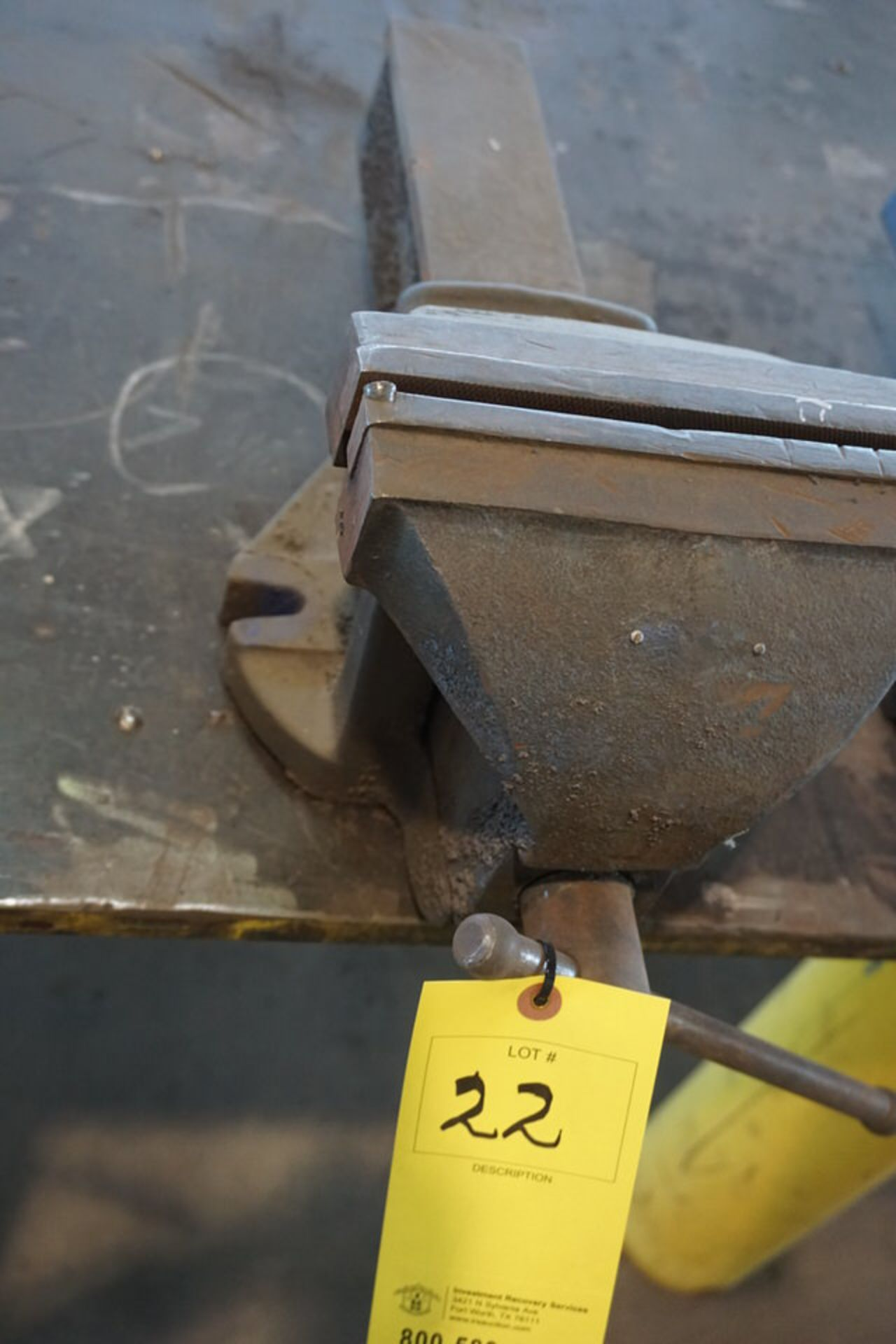 "Lot 22 - IRWIN 8"" BENCH VISE"
