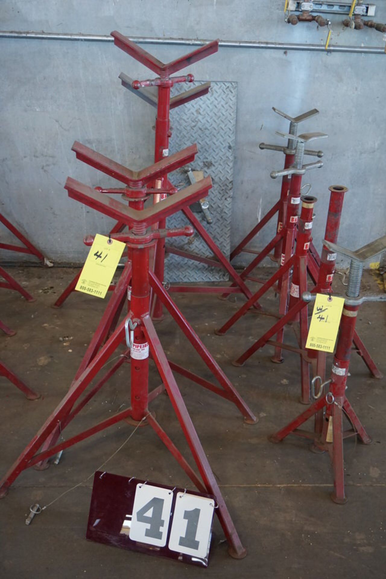 Lot 41 - (8) ADJ PIPE STANDS