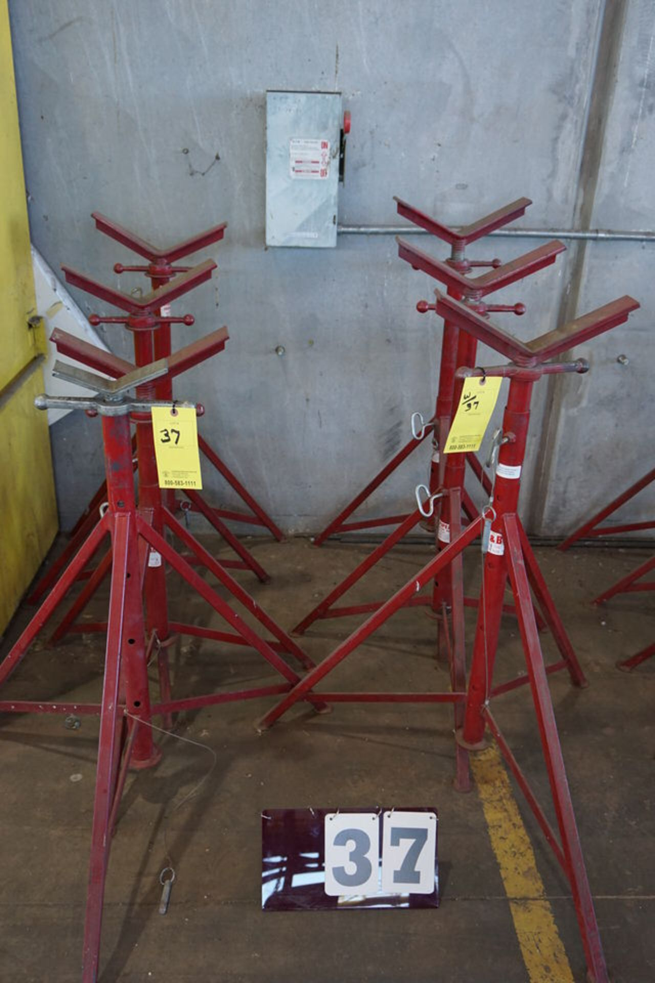 Lot 37 - (8) ADJ PIPE STANDS