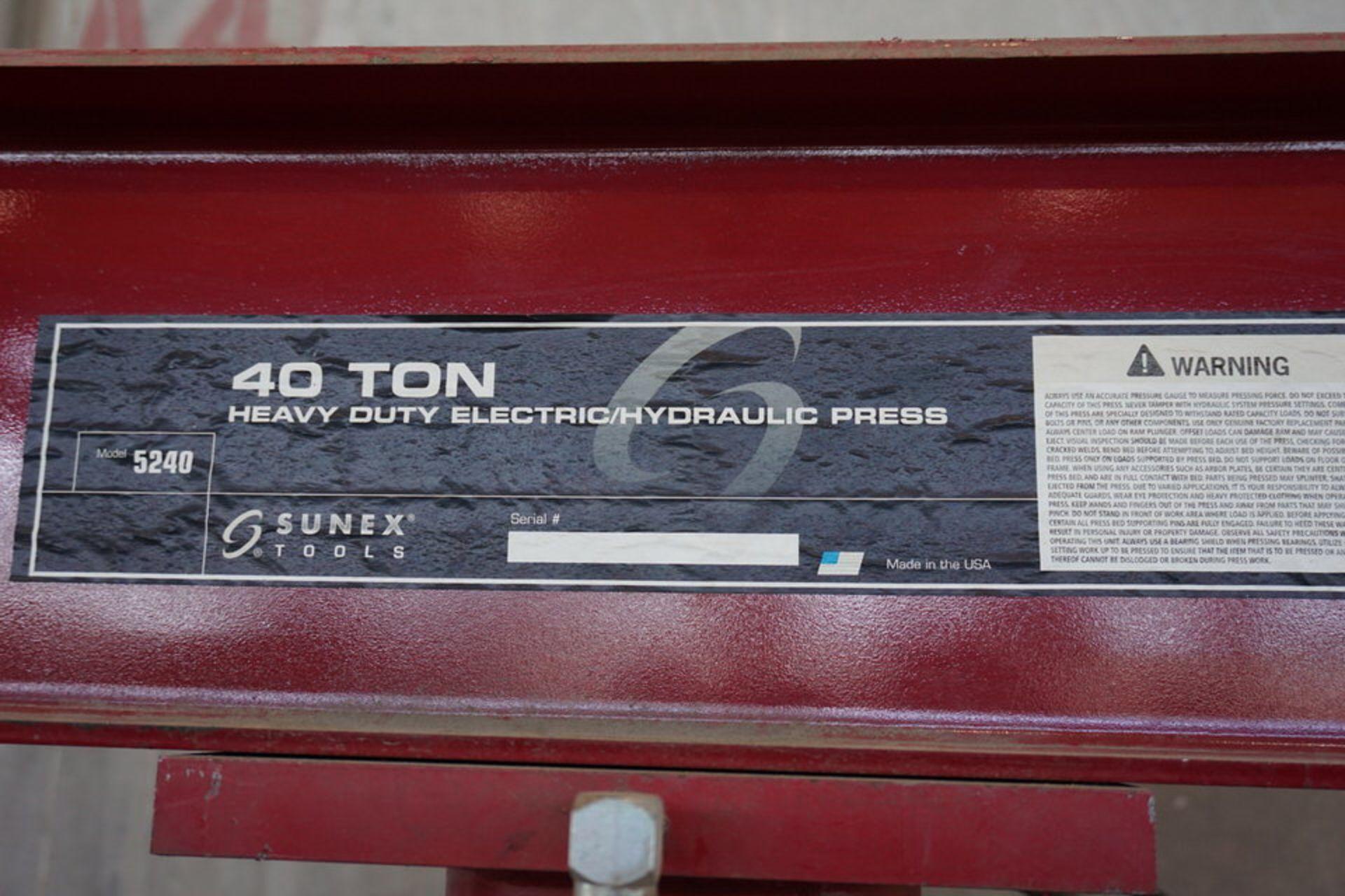 Lot 36 - SUNEX 40 TON ELEC/HYDRAULIC PRESS