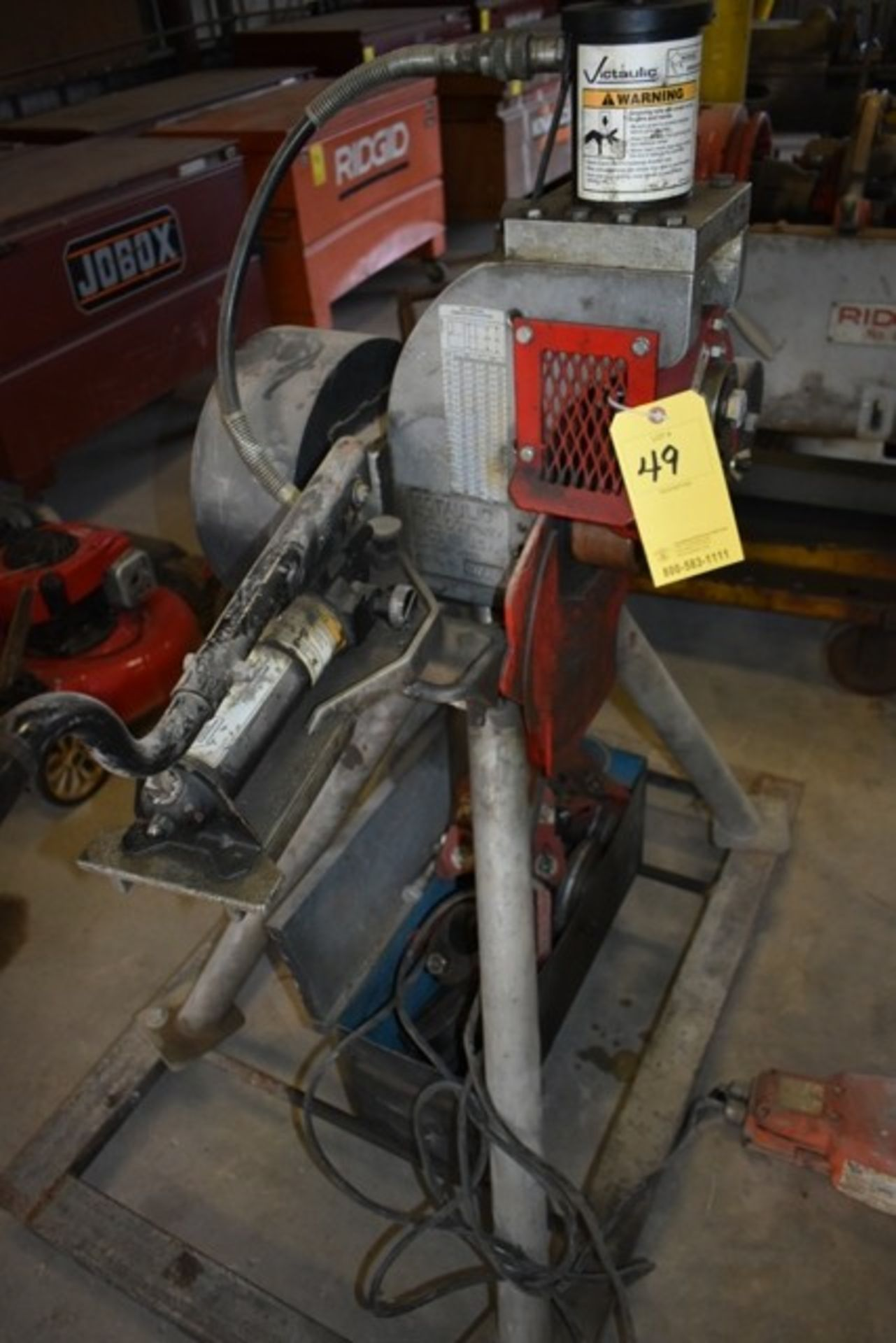 VICTAULIC VE-416FSO ROLE GROOVING MACHINE W/ ASSORT TOOLING - Image 3 of 4