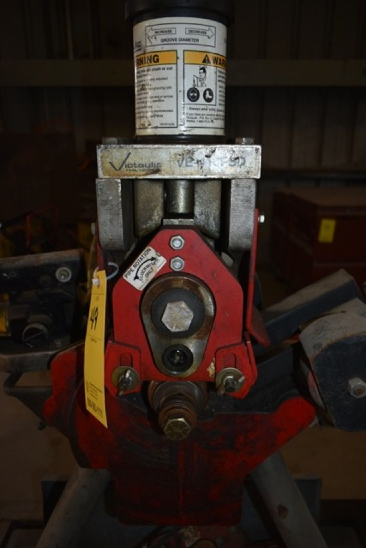 VICTAULIC VE-416FSO ROLE GROOVING MACHINE W/ ASSORT TOOLING - Image 2 of 4