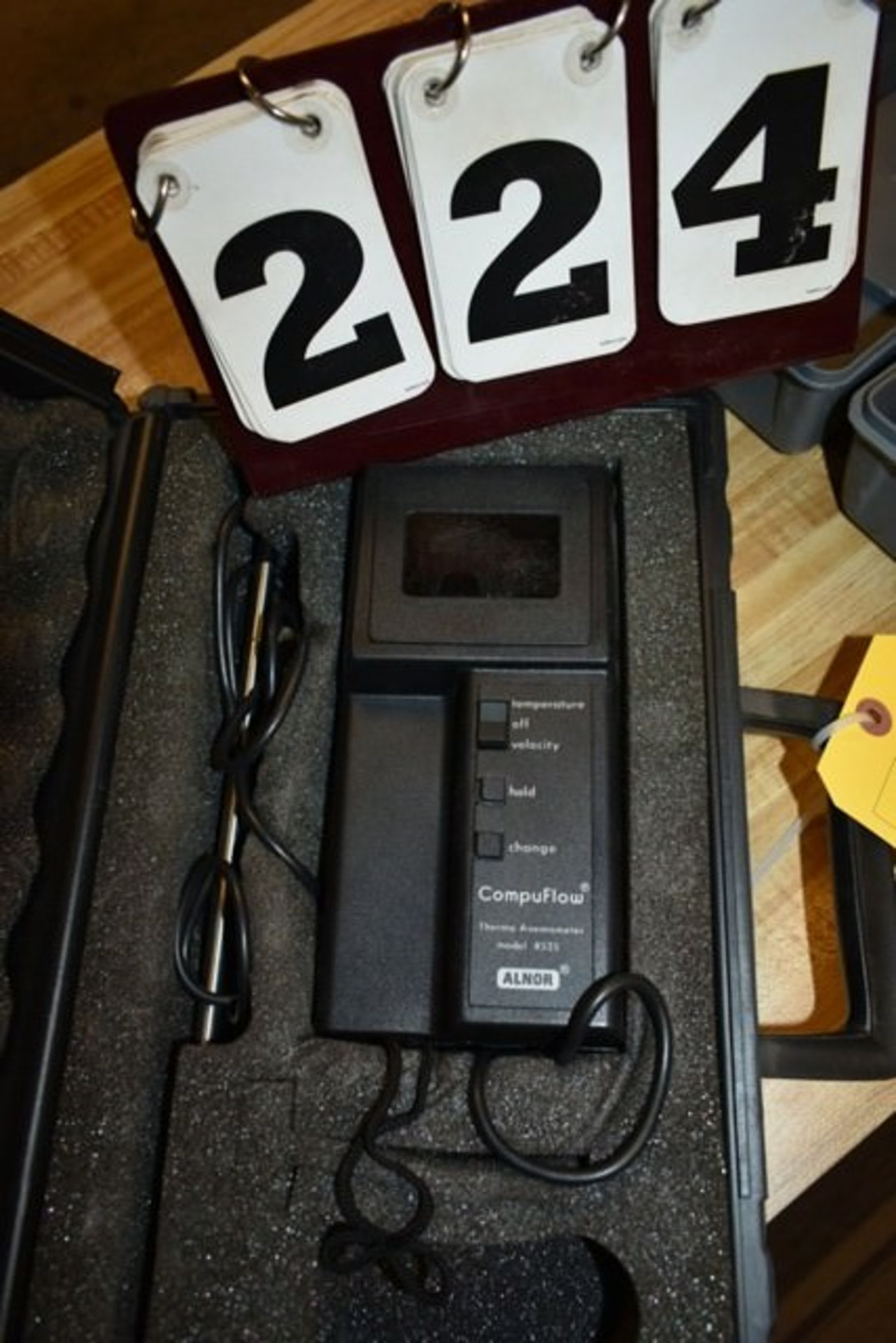 Lot 224 - ALNOR COMPU FLOW THERMO ANEMOMETER MDL: 8525